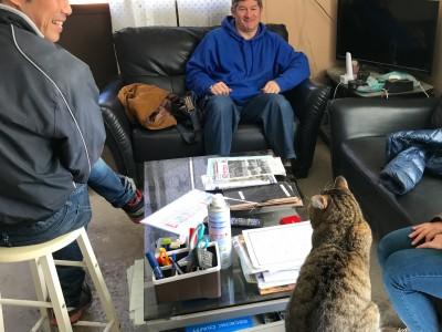 牧場猫のメッシ、デイビット先生と英会話!?